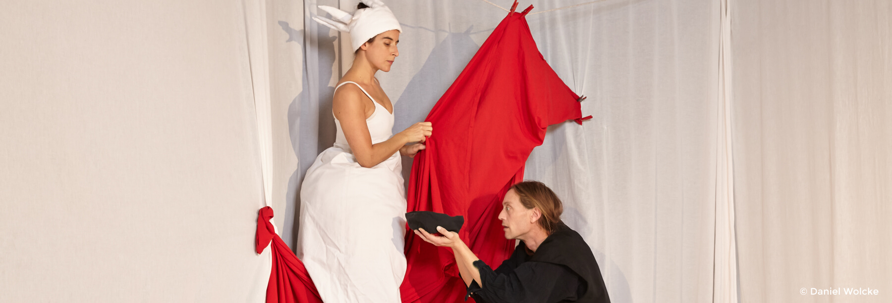 Marcella Amatamia und Thomas Nestler in dem Theaterstück Die Königin der Farben